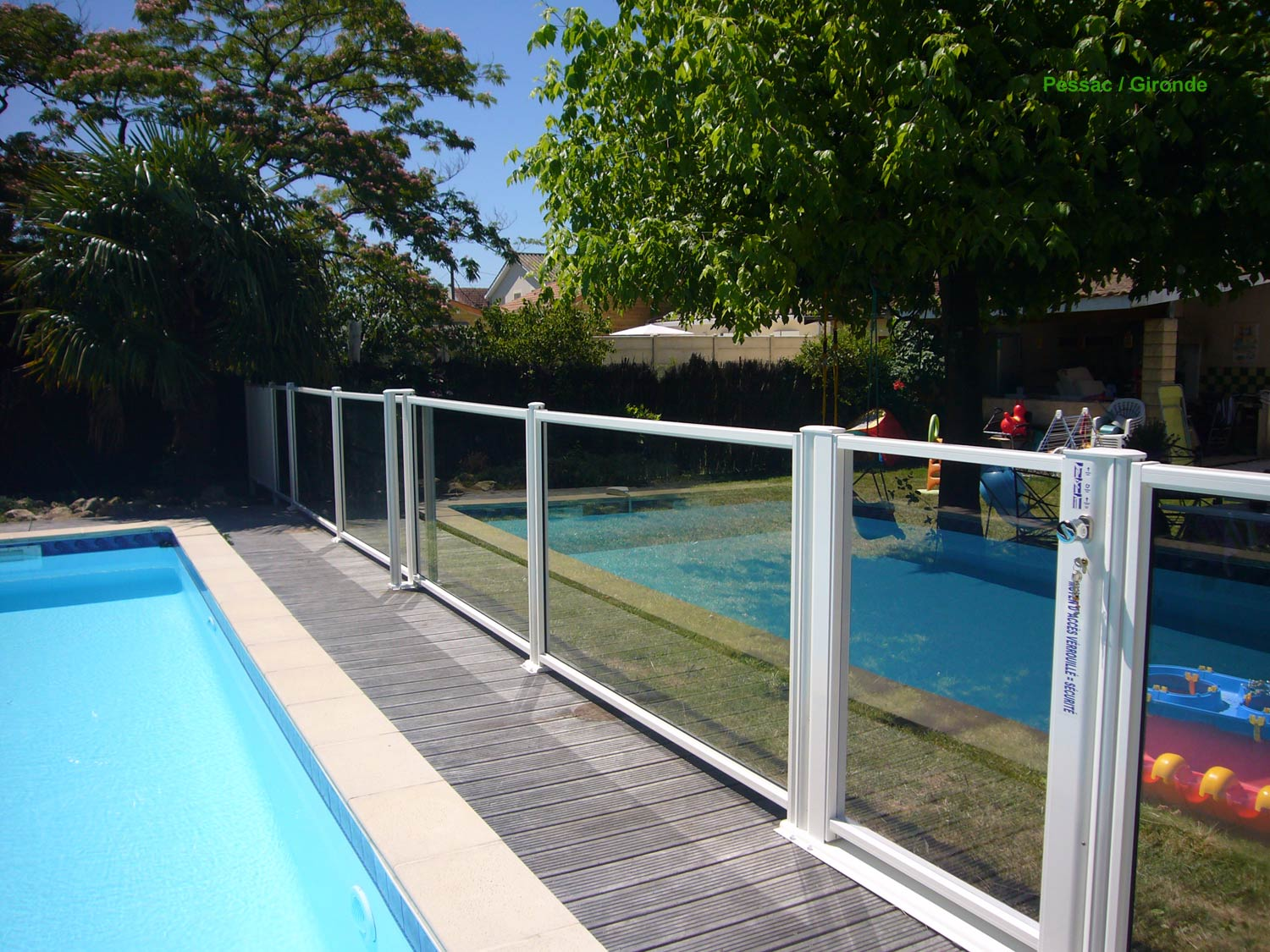 Barriere piscine for Cloture piscine verre